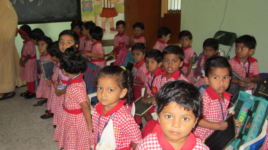 Schulkinder in Malkapur